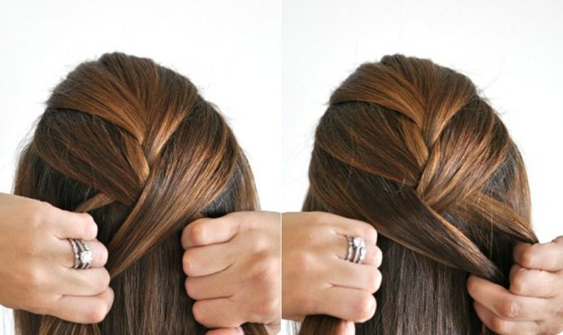 Αρχίστε το πλέξιμο παίρνοντας μία μικρή τούφα από το υπόλοιπο ελεύθερο τμήμα των μαλλιών και συνεχίζετε με τον κλασικό τρόπο προσθέτοντας μαλλιά από τα πλάγια