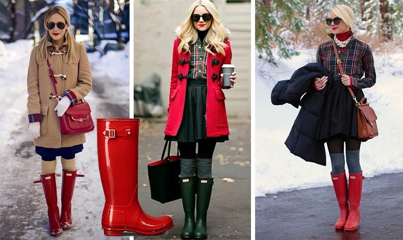 Με άψογο βρετανικό στιλ! Οι κόκκινες γαλότσες συνδυασμένες με πανωφόρι στιλ μοντγκόμερι, καρό πουκάμισο και ψηλές κάλτσες είναι ένα κλασικά αξεπέραστο λουκ