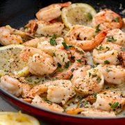 Πικάντικες γαριδούλες με λεμόνι και σκόρδο