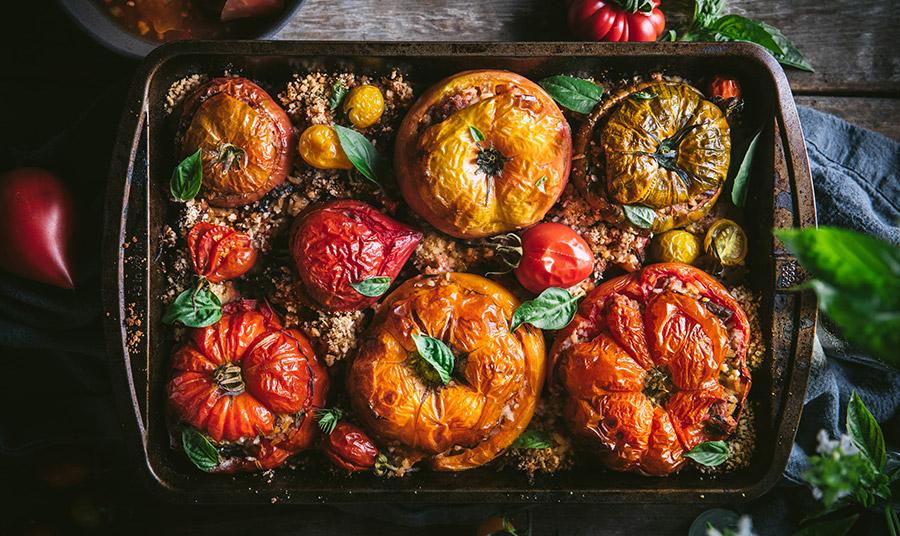 Συνταγή για γεμιστές ντομάτες