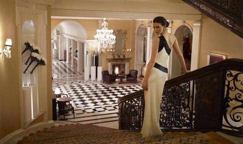 Μικρές ή μεγαλύτερες απολαύσεις με ανέσεις και ατμόσφαιρα για να «κακομάθετε» λίγο τον εαυτό σας σε ένα πολυτελές ξενοδοχείο στο Λονδίνο, όπως το διάσημο Claridge's