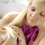 3 λόγοι - έκπληξη που τα μαλλιά μας αδυνατίζουν