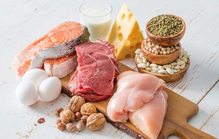 Τι λένε οι γιατροί για όλες αυτές τις πρωτεΐνες που τρώμε;