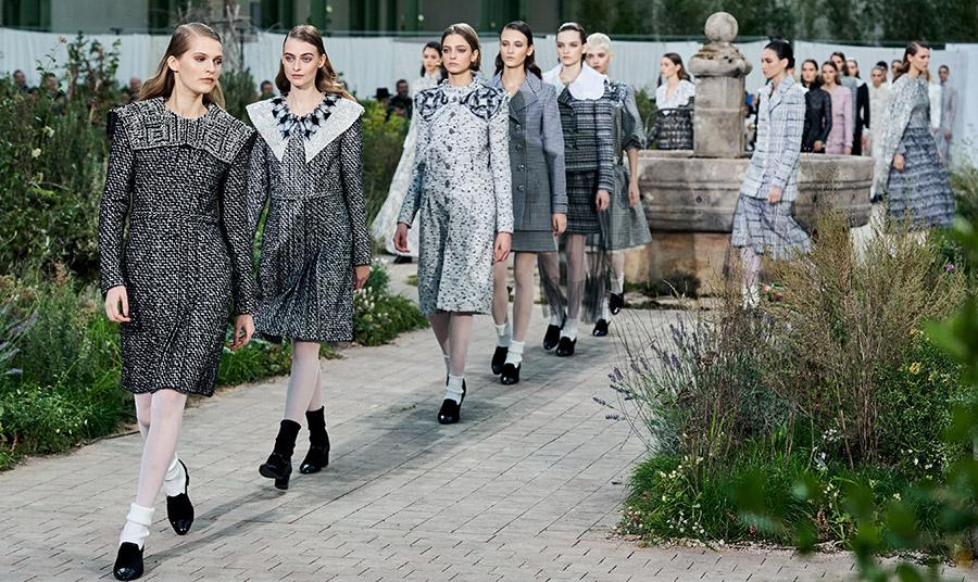 Από την επίδειξη του οίκου Chanel στο Grand Palais