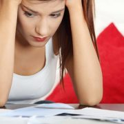 Χρήματα: Ο πιο στρεσογόνος παράγοντας για τις γυναίκες
