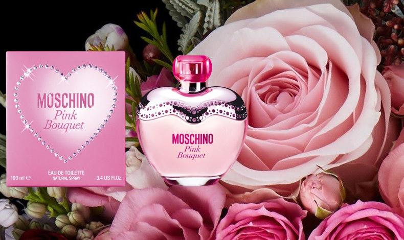 Πολύ θηλυκό, παιχνιδιάρικο, φωτεινό, μία έκρηξη ενέργειας και γλυκιάς φρεσκάδας. Το μπουκάλι Pink bouquet Moschino είναι μία πανέμορφη ροζ καρδιά με κρυστάλλινα στοιχεία. Ένα φρουτώδες λουλουδάτο άρωμα, λαμπερό όσο και η γυναίκα που το φορά!