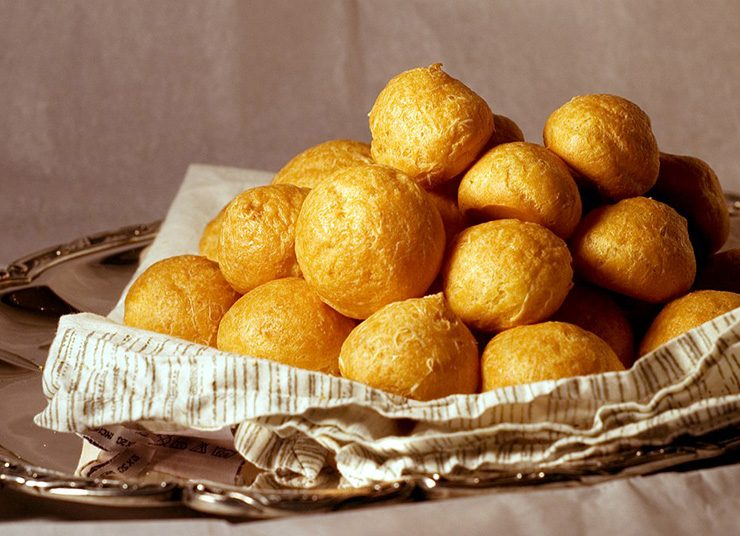 Gougères: Τα ντελικάτα τυρένια γαλλικά σουδάκια!