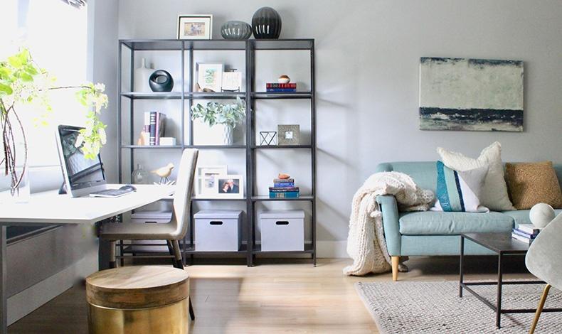 Επιλέξτε ένα τραπέζι γραφείου που να ταιριάζει με την υπόλοιπη διακόσμηση του σαλονιού σας