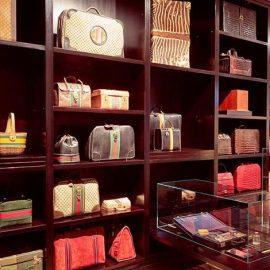 Ποια δεν έχει θαυμάσει ή δεν θέλει να κρατήσει μία τσάντα Gucci;