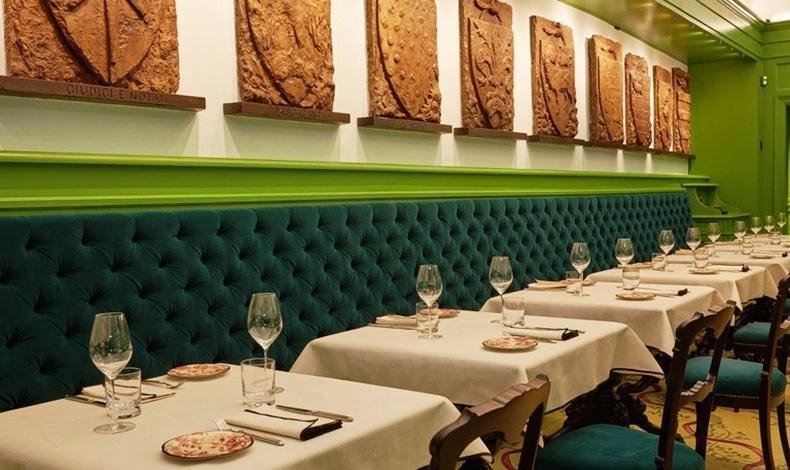 Στο εστιατόριο κανένα πιάτο δεν κοστίζει περισσότερα από 30 ευρώ, γεγονός που αποτελεί μια έξυπνη -και προσιτή- εμπορική κίνηση