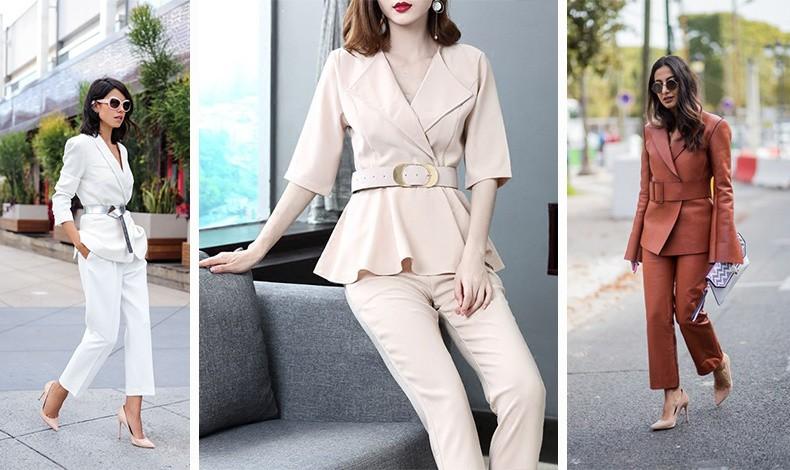 Φορώντας μια ζώνη με το κουστούμι τονίζετε τη μέση και τις καμπύλες σας, ειδικά αν τη φορέσετε πάνω από το σακάκι