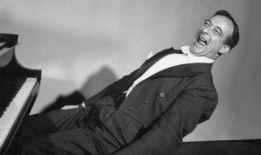 Μια άλλη αξιοσημείωτη χρήση ήταν από τον κωμικό πιανίστα Victor Borge, ο οποίος έπαιξε το τραγούδι σε στυλ διαφόρων συνθετών ή άρχιζε να παίζει τη Σονάτα υπό το Σεληνόφως του Μπετόβεν… μεταβαίνοντας απαλά στο