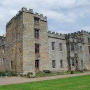 Τα φαντάσματα αφήνουν τα ίχνη τους στο Chillingham Castle