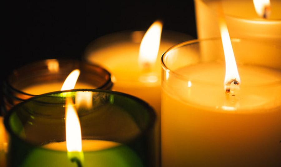 Θυμηθείτε να ανάψετε τα κεριά μία ώρα πριν έρθουν οι καλεσμένοι σας!