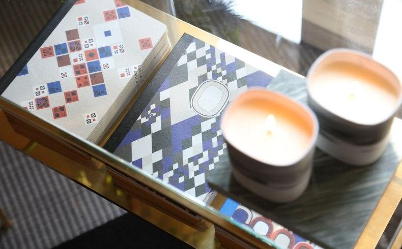 Τα αρωματικά κεριά, όπως της εταιρείας Dyptique, χαρίζουν καλαισθησία και αρωματίζουν μοναδικά το σπίτι σας