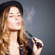 Ηλεκτρονικό τσιγάρο: Θαύμα ή απειλή;
