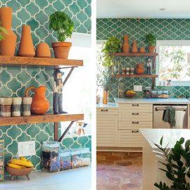 Οι γαλαζοπράσινοι τόνοι και τα απολύτως απαραίτητα εξωτικά πράσινα φυτά συνδυάζονται με πιο θερμές αποχρώσεις, όπως αυτή της τερακότας ή του κοραλλιού // Βρεθήκαμε μπροστά σε μια παλιά ξύλινη κουζίνα. Βάφουμε τα ξύλινα ντουλάπια κρεμ ή σε οποιαδήποτε άλλη ουδέτερη απόχρωση και αν έχουμε τη δυνατότητα να προσθέσουμε και κάποια ανοιχτά ράφια, θα μπορέσουμε να εξισορροπήσουμε τον χώρο