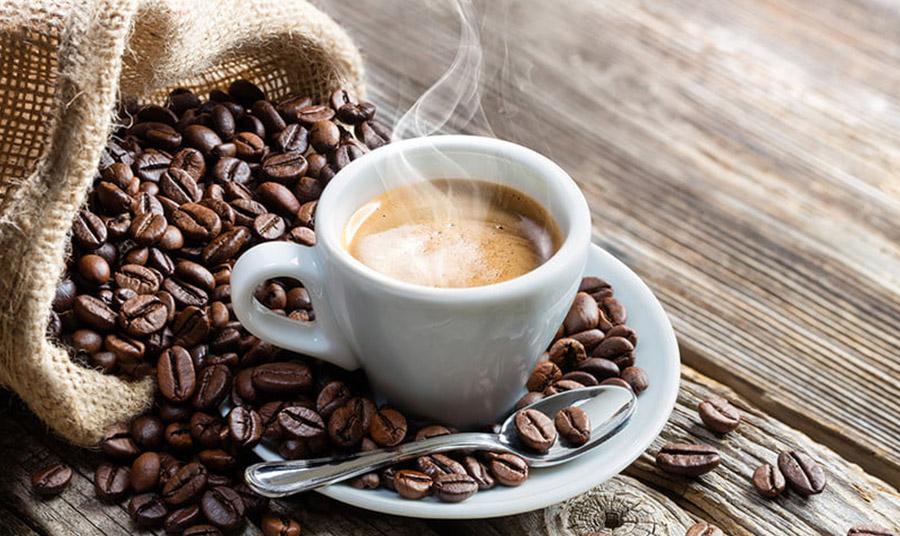 Οι λέξεις για το καφέ χρώμα σε όλο τον κόσμο προέρχονται συχνά από τρόφιμα ή ποτά, όπως και στα ελληνικά, η λέξη προέρχεται από το χρώμα του καφέ