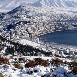Χιονισμένο τοπίο, η μαγεία της Καστοριάς από ψηλά