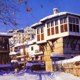 Τα υπέροχα αρχοντικά της Καστοριάς, αποτελούν ένα από τα χαρακτηριστικά της και φυσικά τραβούν την προσοχή του επισκέπτη