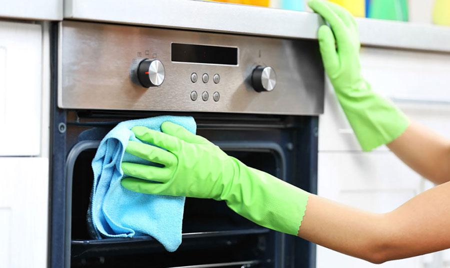Πως να καθαρίσω τη γυάλινη πόρτα του φούρνου