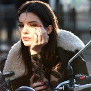 Kendall Jenner: Το μοντέλο που λατρεύουμε να μισούμε