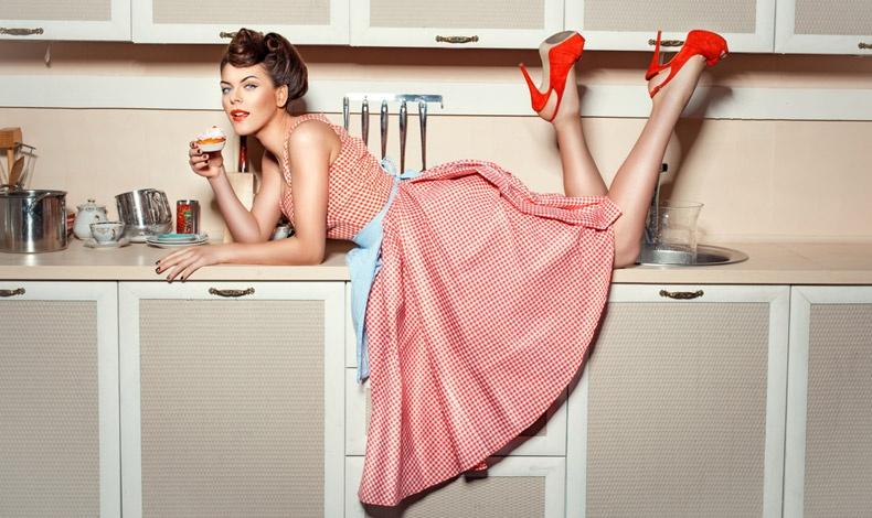 Για τέλεια καθαριότητα σε ολόκληρο τον χώρο της κουζίνας μας και άψογο καθάρισμα των πιάτων, των ποτηριών και των ευαίσθητων σερβίτσιων και σκευών μας, τα προϊόντα Scotch-Brite? είναι οι καλύτεροι βοηθοί μας