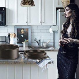 Η σειρά Ingenio περιλαμβάνει από μικρό κατσαρολάκι μέχρι ρηχή μεγάλη χύτρα, σετ από κατσαρόλες και τηγάνια σε διαφορετικά μεγέθη για όλες τις? μαγειρικές μας ανάγκες, τα οποία μπαίνουν στο πλυντήριο των πιάτων με ευκολία, αφού δεν έχουν χερούλια!