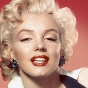 Το πρόσωπο που συμβόλισε τα σέξι κατακόκκινα χείλη τη δεκαετία του ΄50 δεν ήταν άλλη από τη Μέριλιν Μονρόε