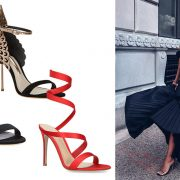 Φορέστε ένα υπέροχο μαύρο φόρεμα και εντυπωσιακά παπούτσια και κλέψτε τις εντυπώσεις! Πέδιλο με μεταλλικά φτερά, Sophia Webster // Πέδιλο στολισμένο με στρας στον αστράγαλο και σατέν κορδέλες, Casadei // Δερμάτινο με κόκκινες κορδέλες, Jimmy Choo