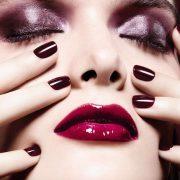Λαμπερό μακιγιάζ για το ρεβεγιόν