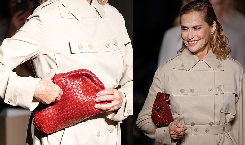 Για το επαναλανσάρισμα της τσάντας, η Λορίν Χάτον περπάτησε στο σόου Bottega Veneta κρατώντας το αυθεντικό clutch από την ταινία