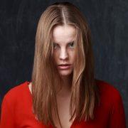 Λιπαρά μαλλιά; Οκτώ μοναδικές συμβουλές για να απαλλαγούμε από το πρόβλημα!