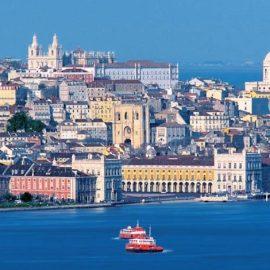 Άποψη της Λισαβόνας από τη θάλασσα