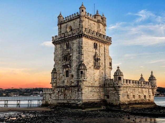 Belem, ο ιστορικός πύργος, εκεί όπου ο Τάγος ενώνεται με τον Ατλαντικό. Από εδώ ξεκινούσαν οι καραβέλες για να κατακτήσουν τον μέχρι τότε άγνωστο κόσμο