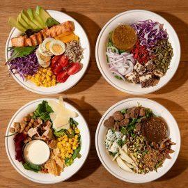 Το πλούσιο μενού του νέου εστιατορίου περιλαμβάνει μια σειρά από γευστικά και ισορροπημένα γεύματα με πληθώρα vegan και gluten free επιλογών. Παράλληλα υπάρχει και η επιλογή ο καθένας να δημιουργήσει το δικό του γεύμα βασισμένο στις προτιμήσεις του