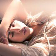Εννιά λόγοι για να απολαμβάνουμε τον ύπνο μας!
