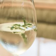 8 λόγοι για να πίνουμε νερό