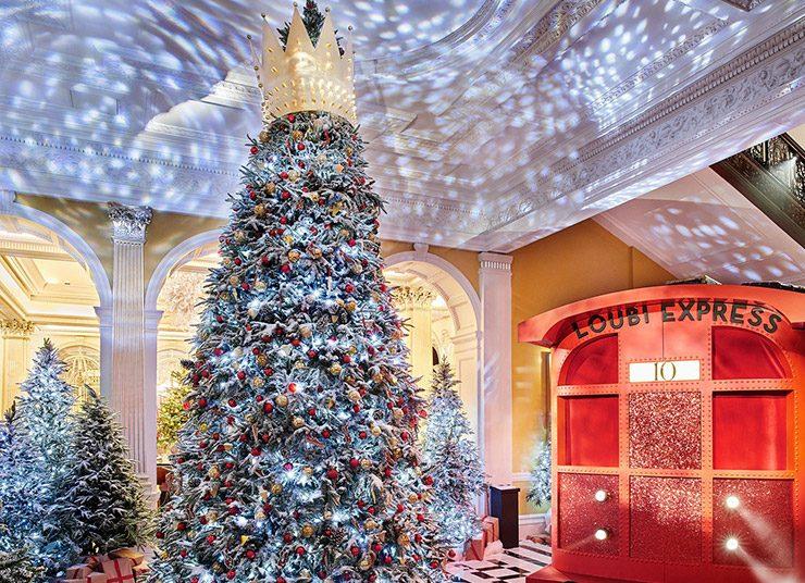 Claridge's: Το υπέρκομψο χριστουγεννιάτικο δέντρο από τον Christian Louboutin