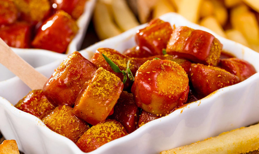 Currywurst: Το αγαπημένο γερμανικό λουκάνικο με κάρι στο σπίτι μας!