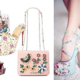 Κρεμ τσάντα με μεγάλα μπουκέτα, Guess // Ψηλοτάκουνο mule, Christian Louboutin // Πέδιλο με εντυπωσιακά μπροκάρ λουλούδια, Casadei // Τσάντα με απλικέ λουλούδια από κρύσταλλα, Moschino