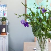 Φρέσκα λουλούδια στα βάζα φέρνουν ? εκτός από την ομορφιά τους - και καλή τύχη, όπως λέει το φενγκ σούι