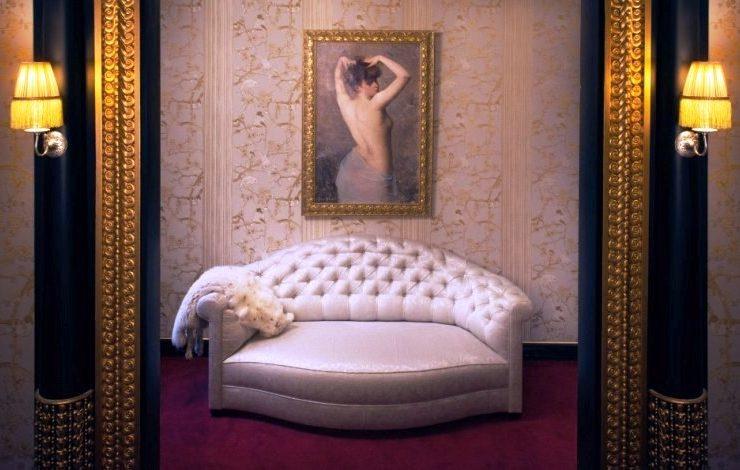 Το δωμάτιο με το όνομα Liane de Pougy, σταρ των Folies Bergeres, πριγκίπισσα και μοναχή, συγκεντρώνει μοναδικά έργα τέχνης και έπιπλα
