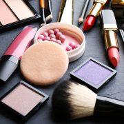Έρευνα: Πώς το μακιγιάζ επηρεάζει τα επίπεδα των ορμονών μας…!