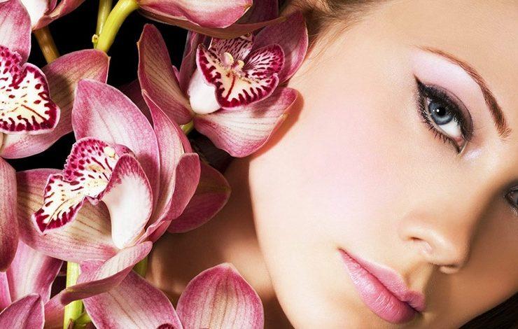 Πώς 6 μυστικά του μακιγιάζ μετατρέπουν το πρώτο ραντεβού σε απόλυτο έρωτα!