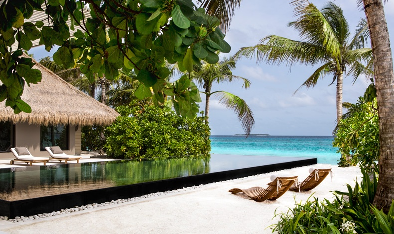 Βίλα με θέα τα γαλάζια νερά του Ινδικού Ωκεανού, o παράδεισος είναι εδώ!