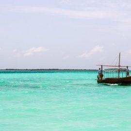 Παραδοσιακό σκαρί για ονειρεμένες βόλτες στα κρυστάλλινα νερά.