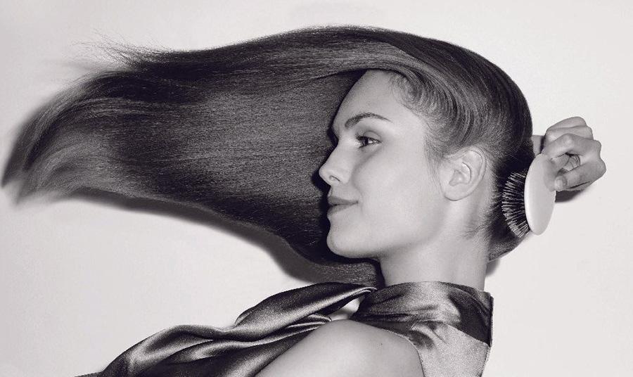 «Λαδώνουν» γρήγορα τα μαλλιά σας; Σας αποκαλύπτουμε τον ένοχο!
