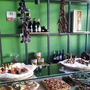 Margherita Pizza Artigianale: Ιταλία-Ελλάδα σημειώστε Χ!