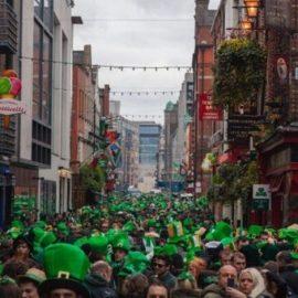 Παρελάσεις και πάρτι στο κέντρο του Δουβλίνου